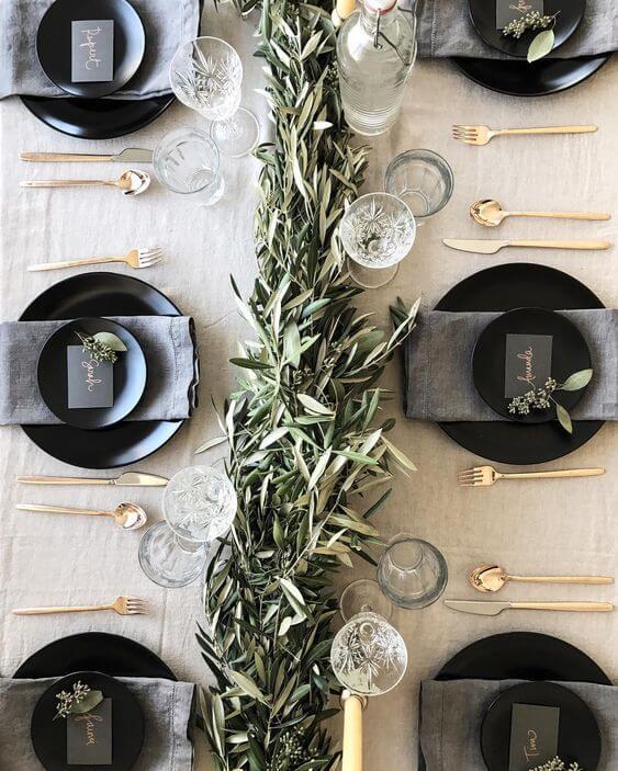 mesa navideña con olivo