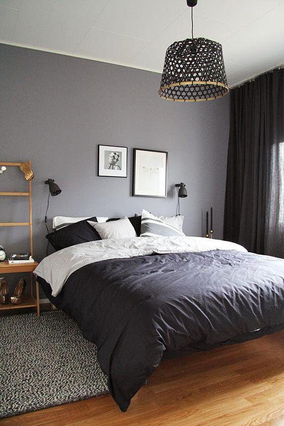 dormitorio de invitados con lámpara de fibras