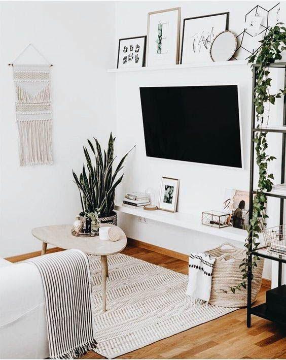 salón de estilo nórdico con televisor