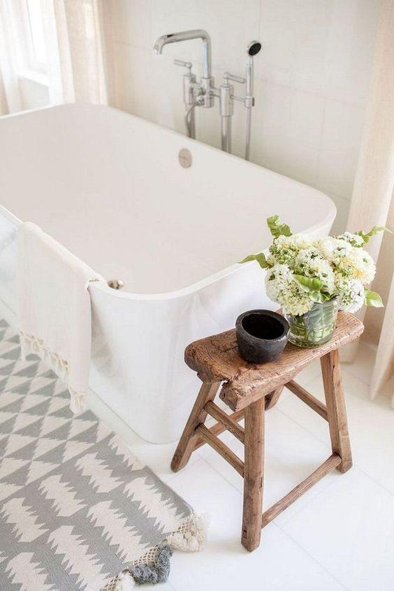 decorar con flores el baño