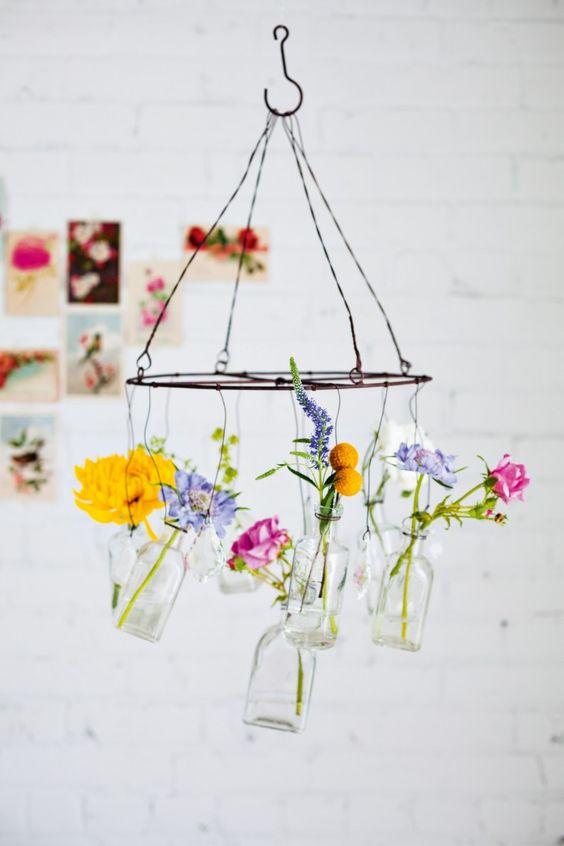 decorar con flores colgantes