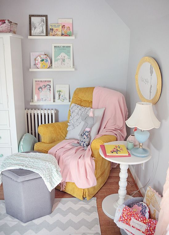 mostaza y rosa en habitaciones infantiles