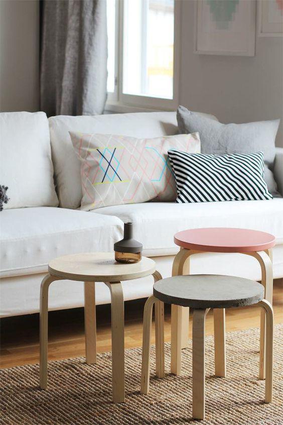 taburete Frosta de Ikea agrupado