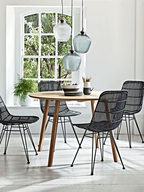 sillas de ratán negro