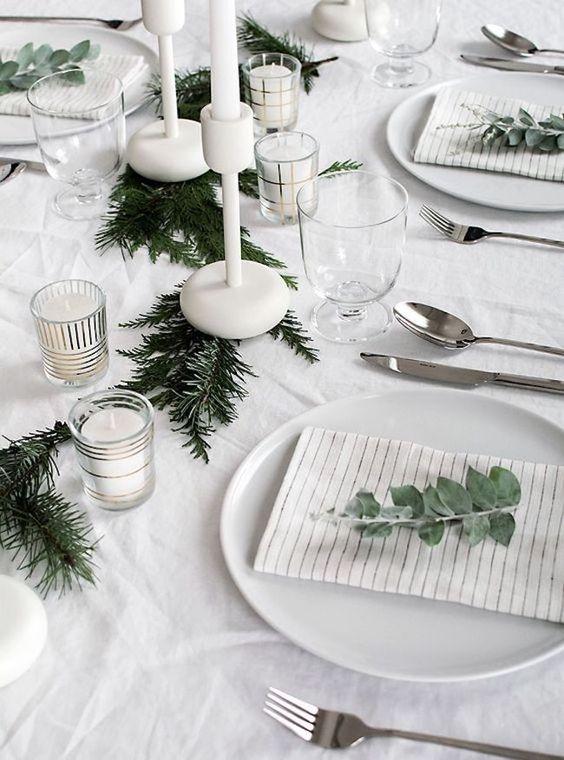 servilletas en la mesa navideña